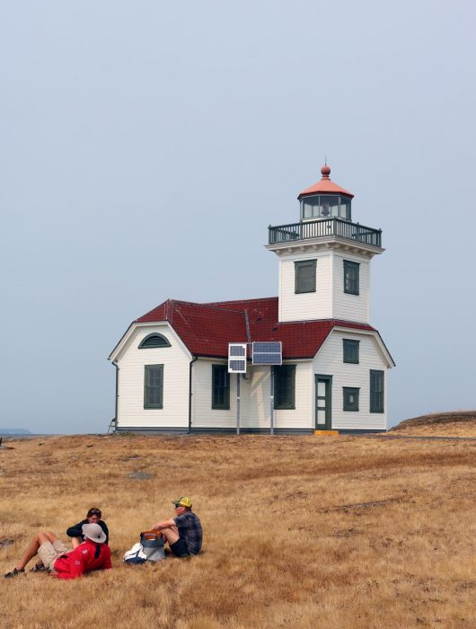 lighthouse picnic